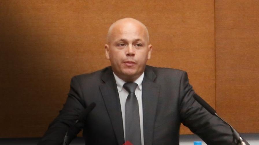 Александър Симов: Кой ще носи отговорност, ако Борисов се завърне при скорошни избори