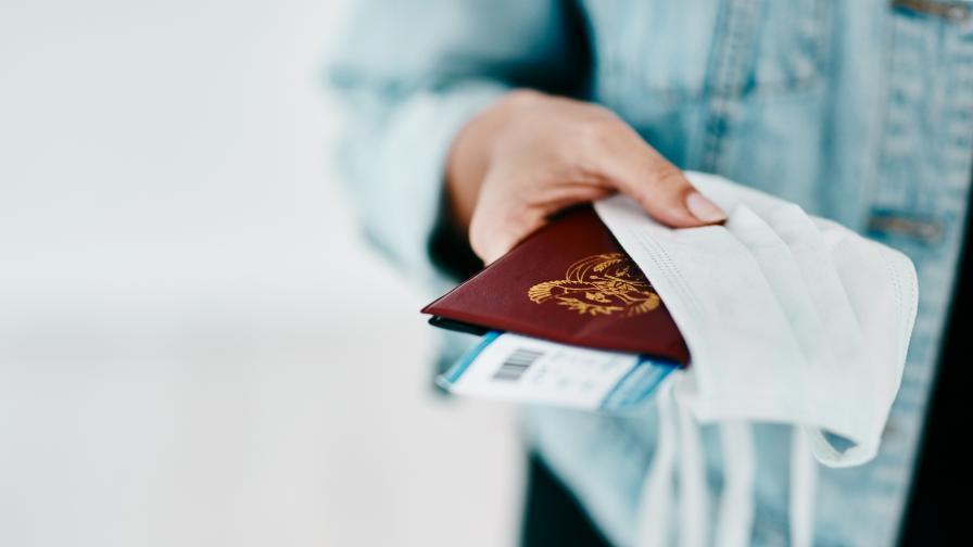COVID паспортите: Кои държави от ЕС се споразумяха за тях