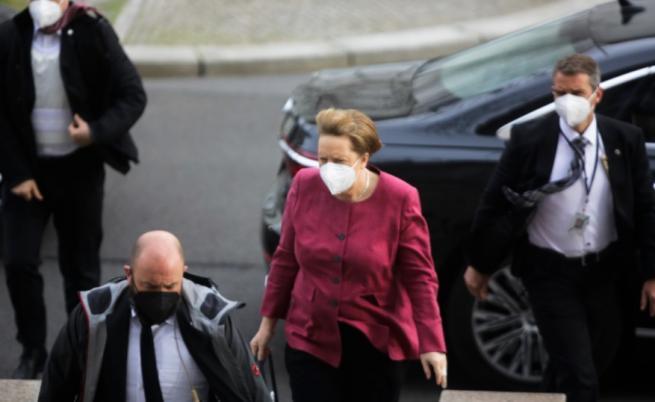 Ангела Меркел се ваксинира срещу COVID-19