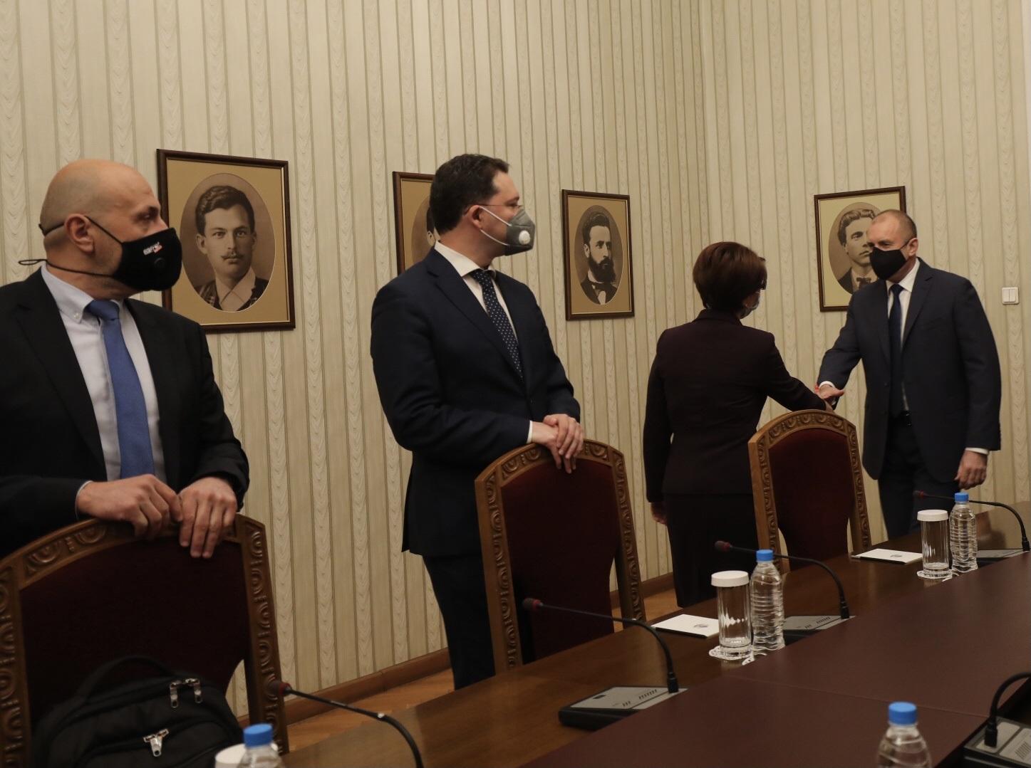 <p>Започнаха консултациите при президента за нов кабинет</p>