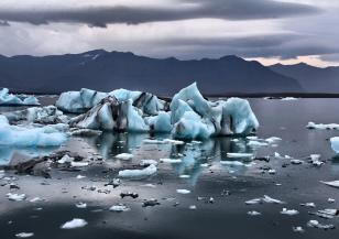 Най-големият айсберг в света се разпадна