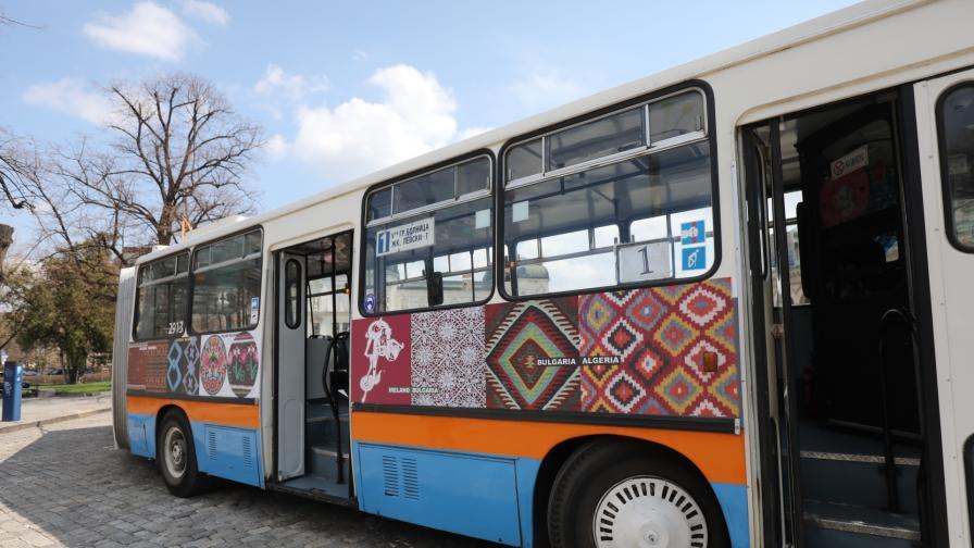 80 години от първия тролейбус в София