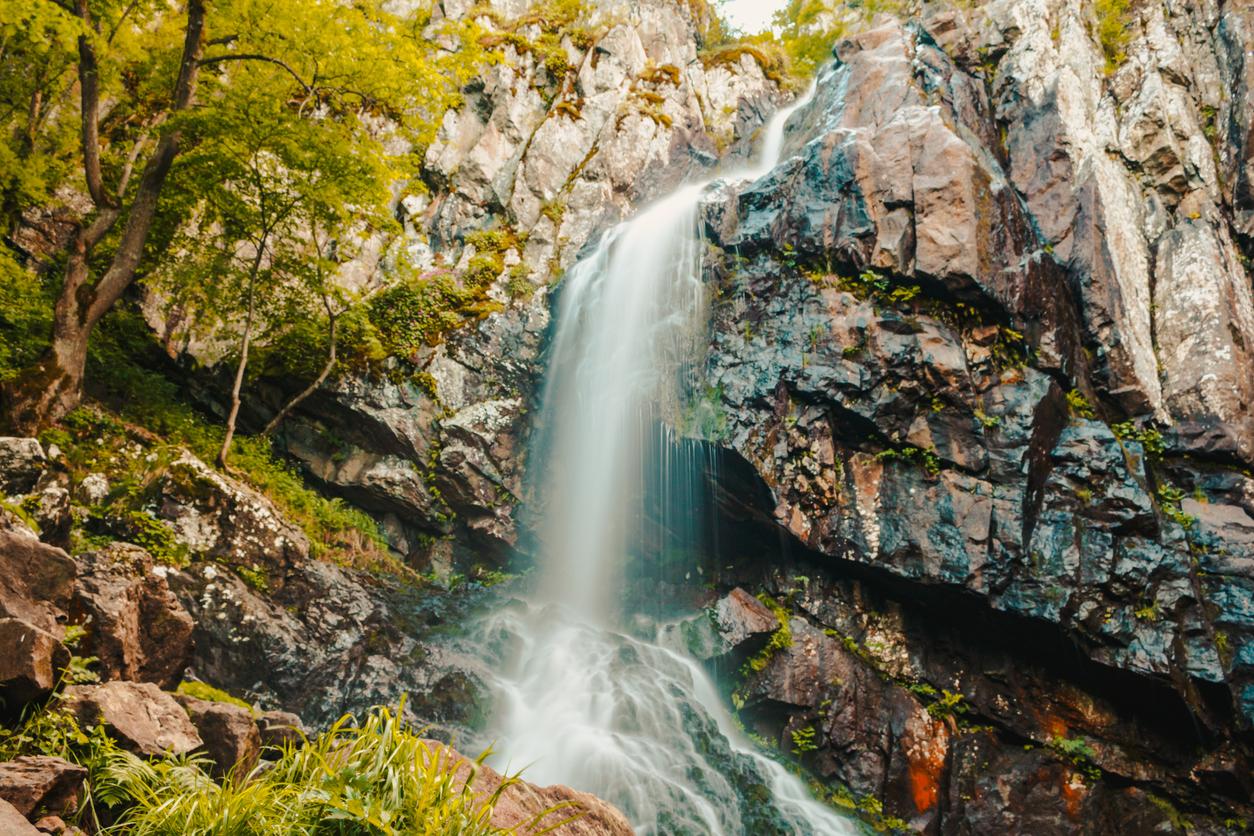 <p><strong>Боянски водопад</strong> - намира се в планината Витоша.&nbsp;</p>