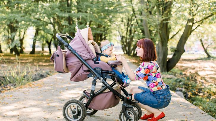 Най-простото правило за обличане на бебета и малки деца, за да не плачат от прегряване