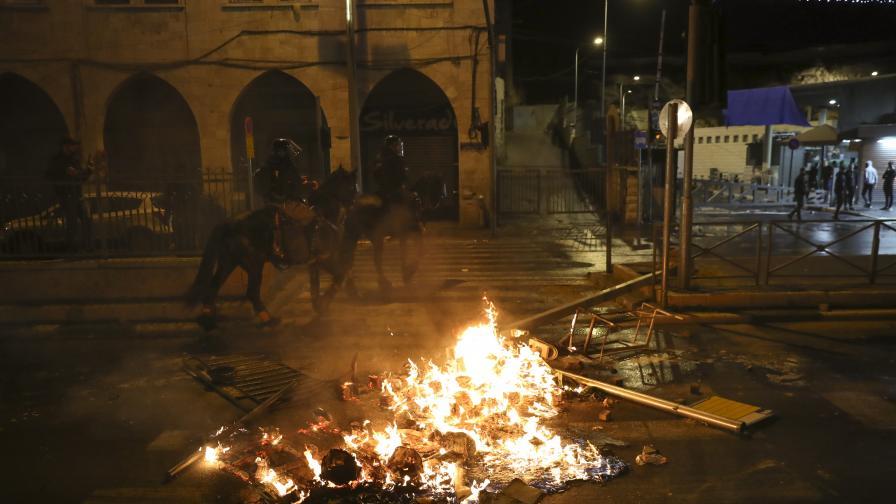 Сблъсъци в Ерусалим, над 100 ранени