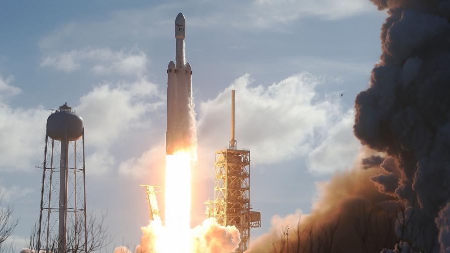SpaceX изстреля трети екипаж до МКС