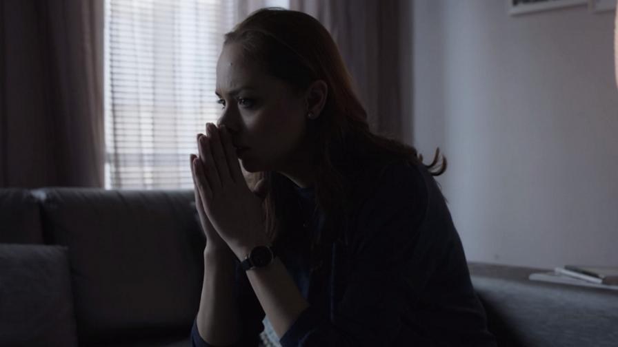 <p>Лора получава злокобен знак в &bdquo;Братя&ldquo;</p>