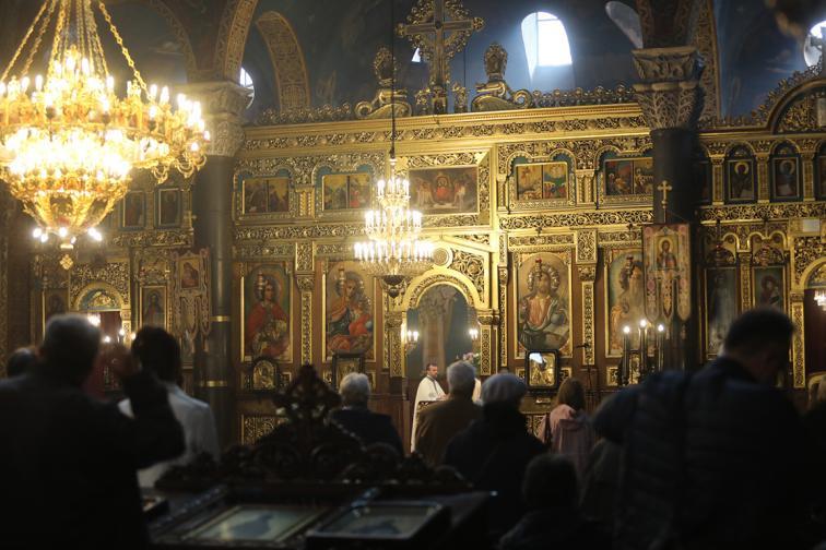 Служби за Велики четвъртък в катедрален храм Александър Невски Света