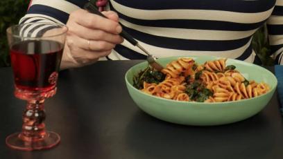 Фусили с пикантен сос с ндуя
