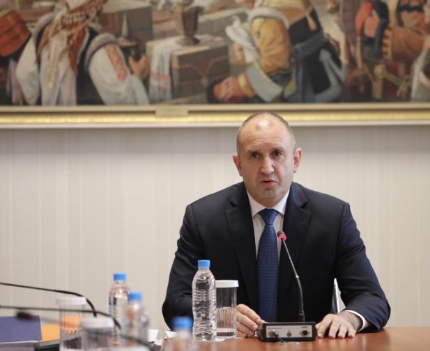 Консултации при президента с парламентарно представените сили за състава на