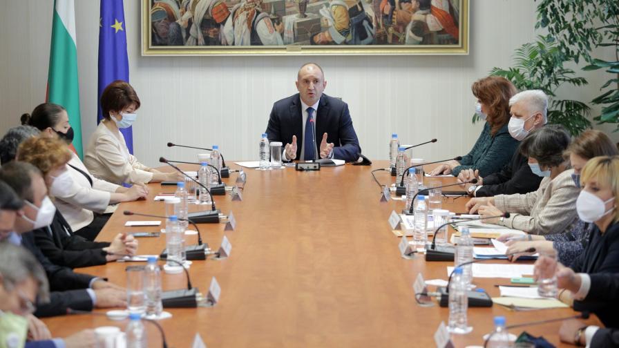 Консултациите при президента Румен Радев
