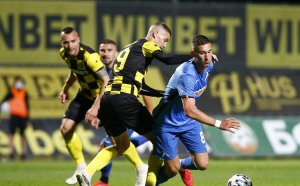 Левски с втора победа, капитанът отказа Ботев в Пловдив
