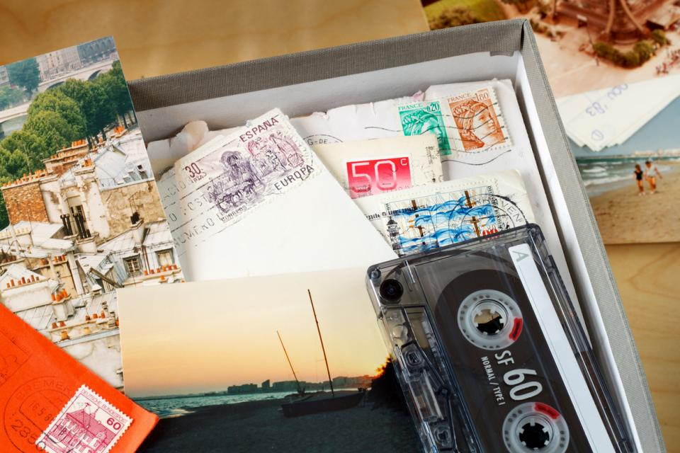 кутия спомени касетка снимки картички