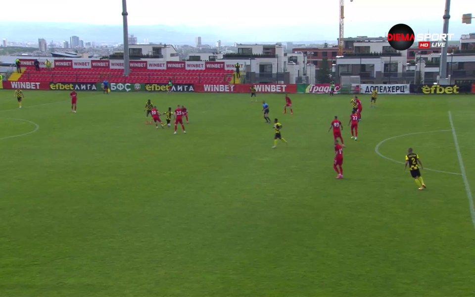 Царско село и Ботев Пловдив играят при 0:0 в двубой