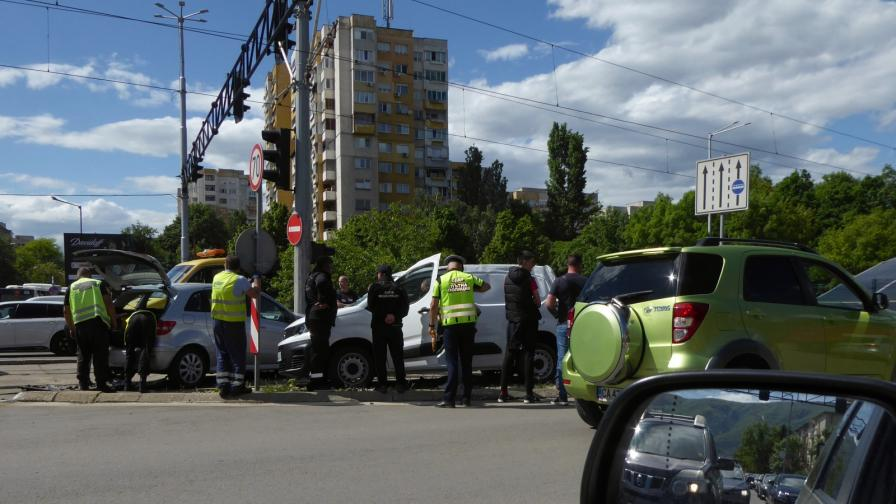 Катастрофа в София, пострадал е Вежди Рашидов