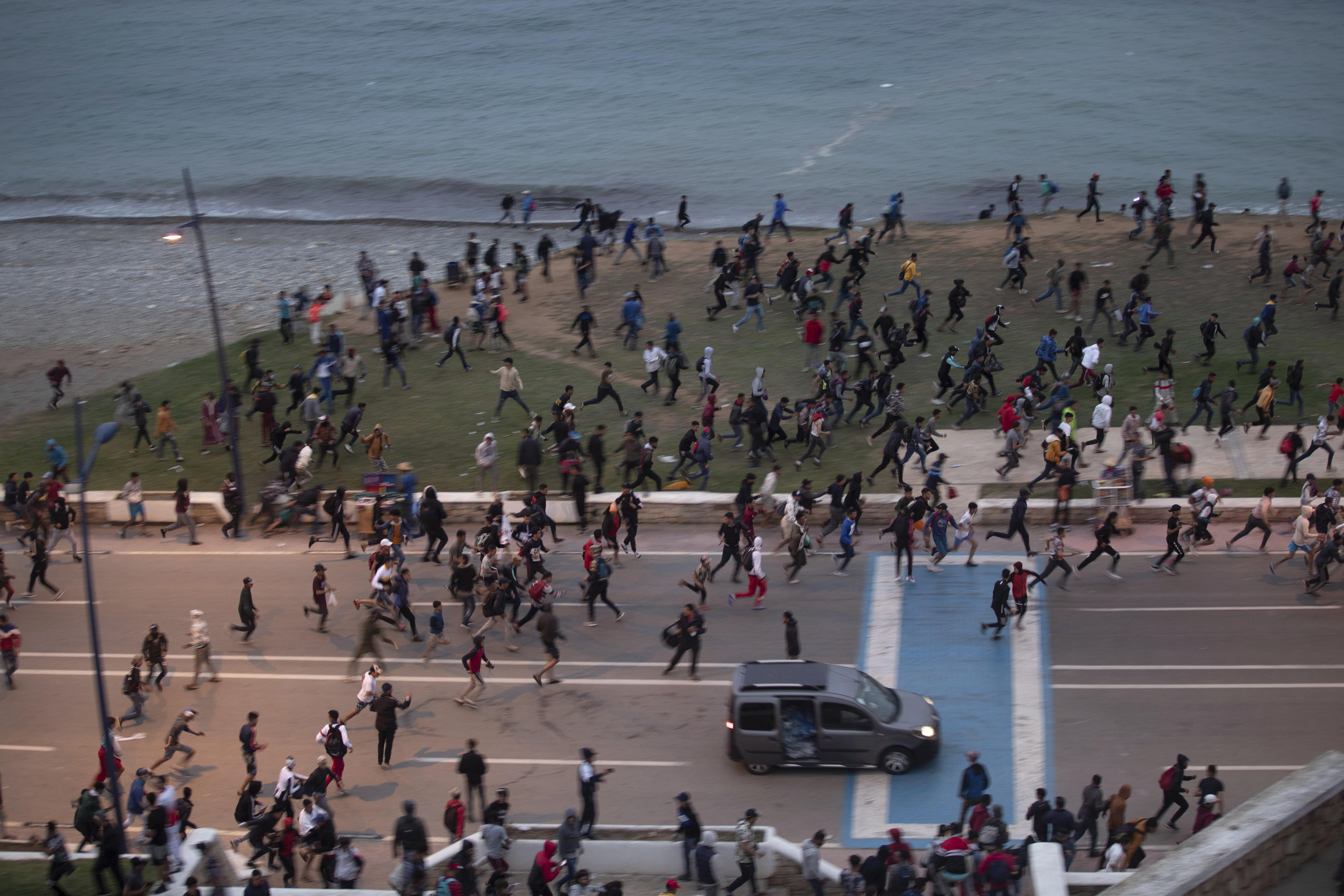 <p>Мигрантска криза в Сеута</p>