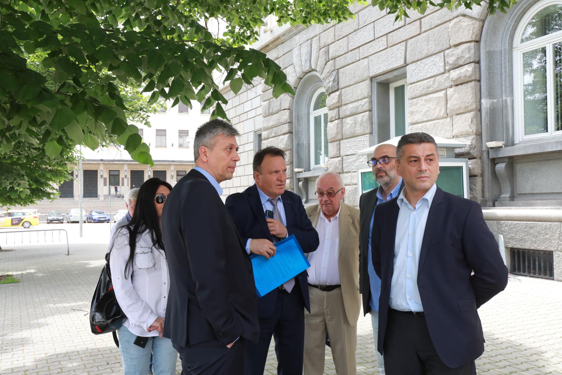 <p>&quot;Лявата алтернатива на България&quot; се регистрира в ЦИК за изборите</p>