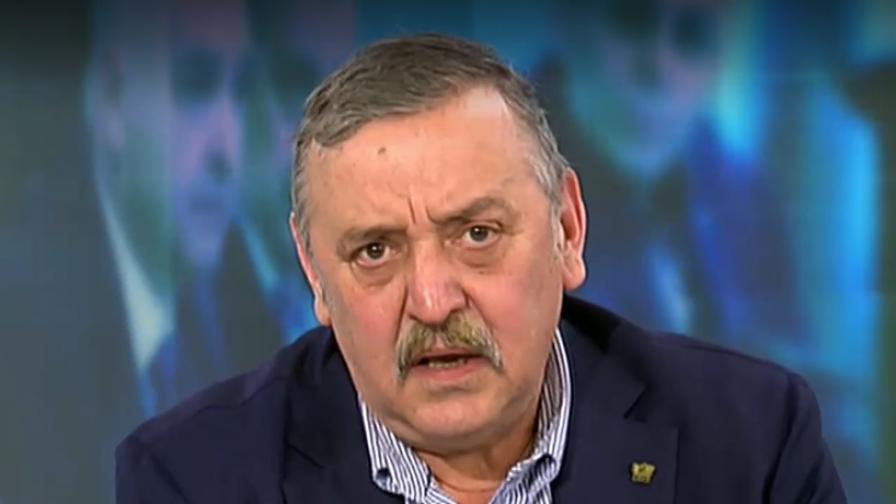 Кантарджиев обяви колко пари е взимал в пандемията