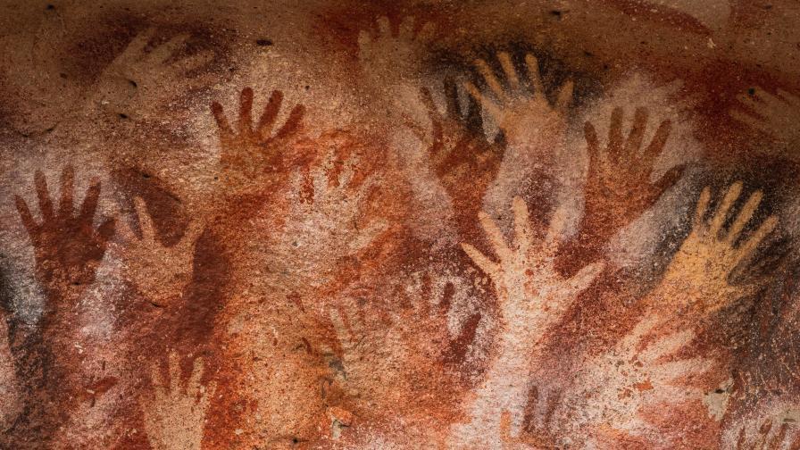 Ерозия заплашва да унищожи най-старите скални рисунки в света