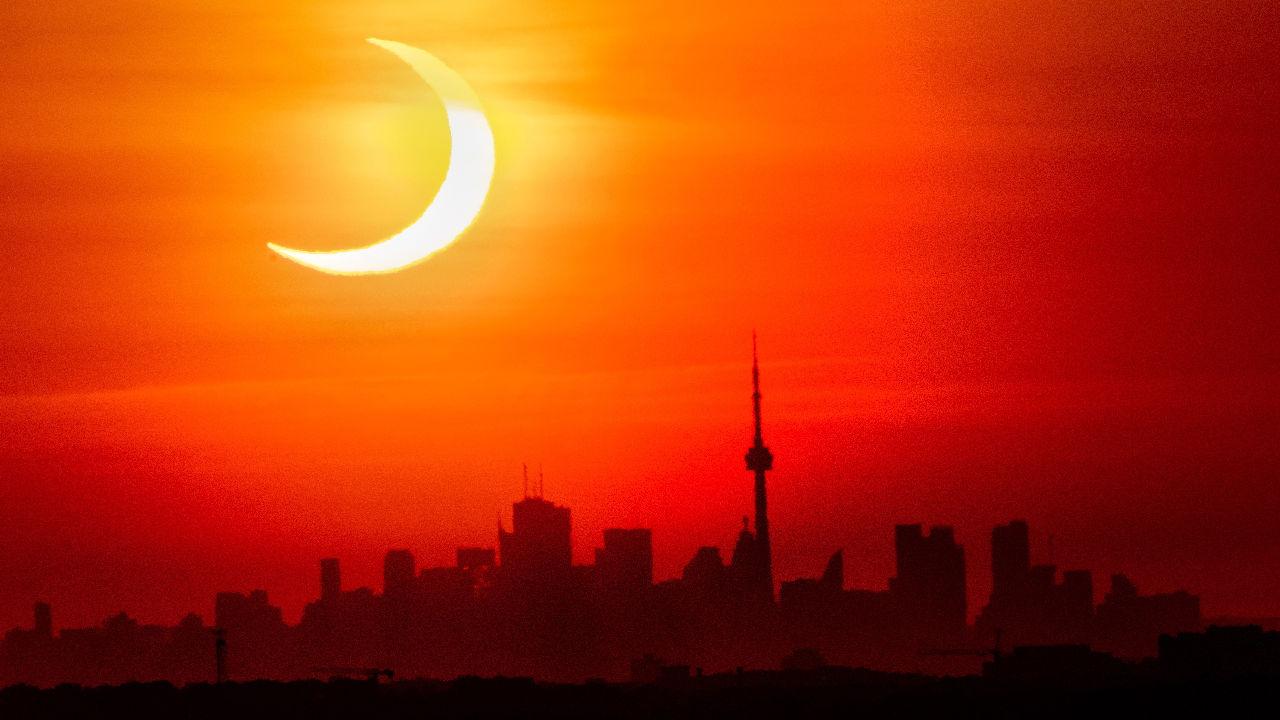 <p>Пръстеновдното слънчево&nbsp;затъмнение в Торонто</p>