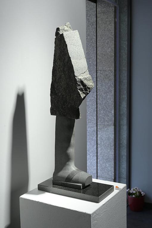 <p>&bdquo;Удивително просто! И удивително мощно!&ldquo; - така доц. Ружа Маринска определи каменните Човеци на Зиятин Нуриев още през 2013.</p>
