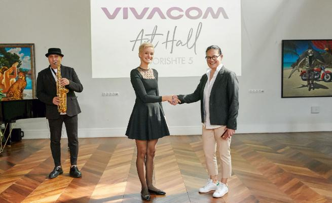Веселка Вуткова - директор Корпоративни комуникации, Vivacom, и Деница Атанасова Гергова - основател и арт директор на галерия Оборище 5