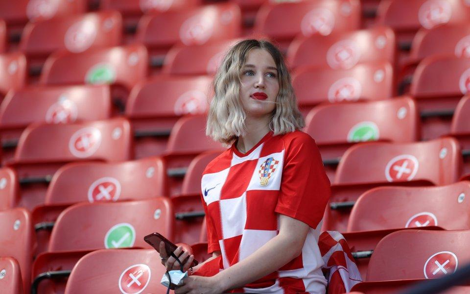 Жените отдавна са неизменна част от трибуните на всеки футболен