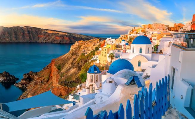COVID-19 в Гърция: Кои острови са под риск от нови строги мерки