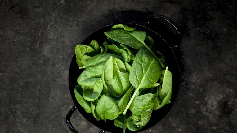 Защо спанакът е по-полезен, когато е сготвен?