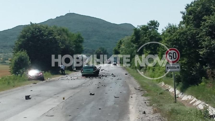 Тежка катастрофа между две села, загинали и ранени