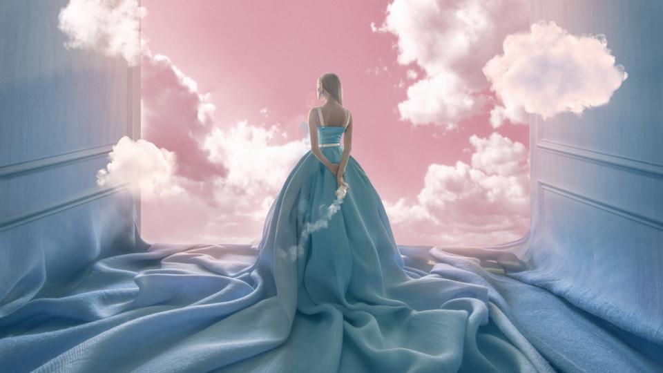 жена облаци мистично магично магия рокля