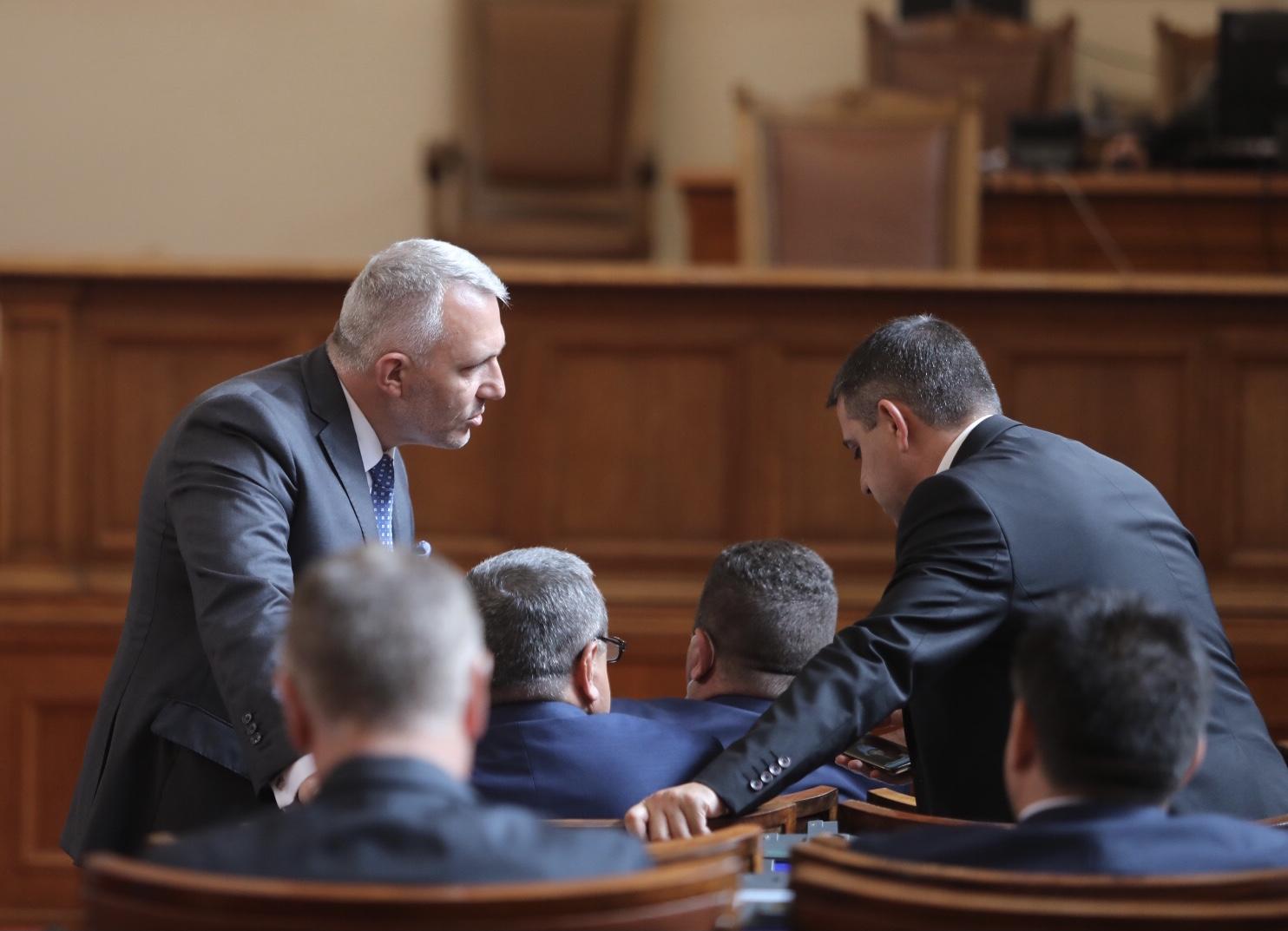 Депутатите в парламента изслушват служебния министър на вътрешните работи Бойко Рашков