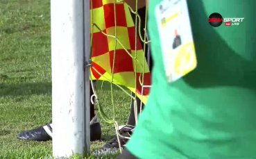 Проблем с вратата бави старта на мача Черно море – Ботев