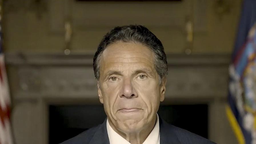 Заради сексуален тормоз над 11 жени искат оставката на губернатора на Ню Йорк