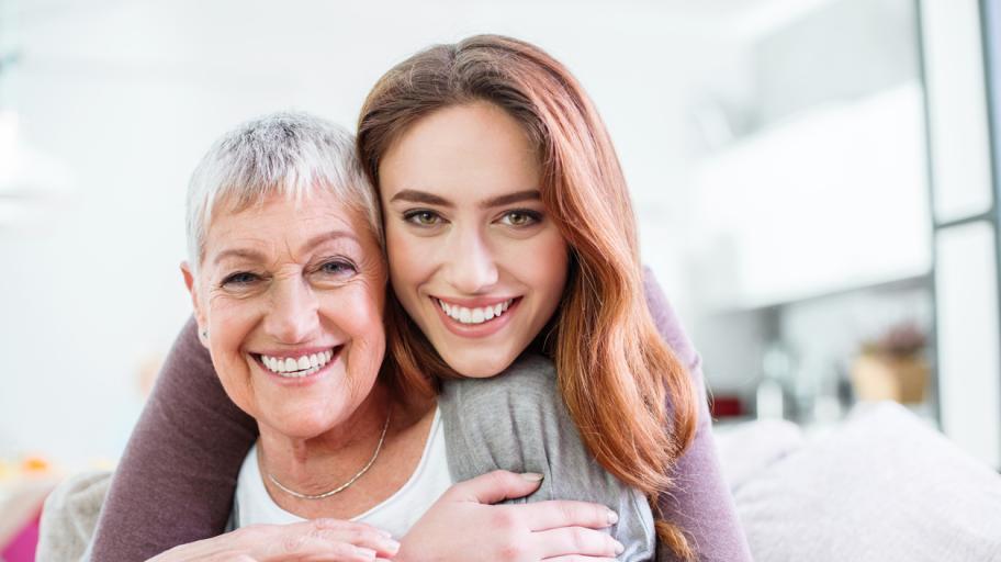 Уникалният начин, по който сме свързани с бабите си още от утробата