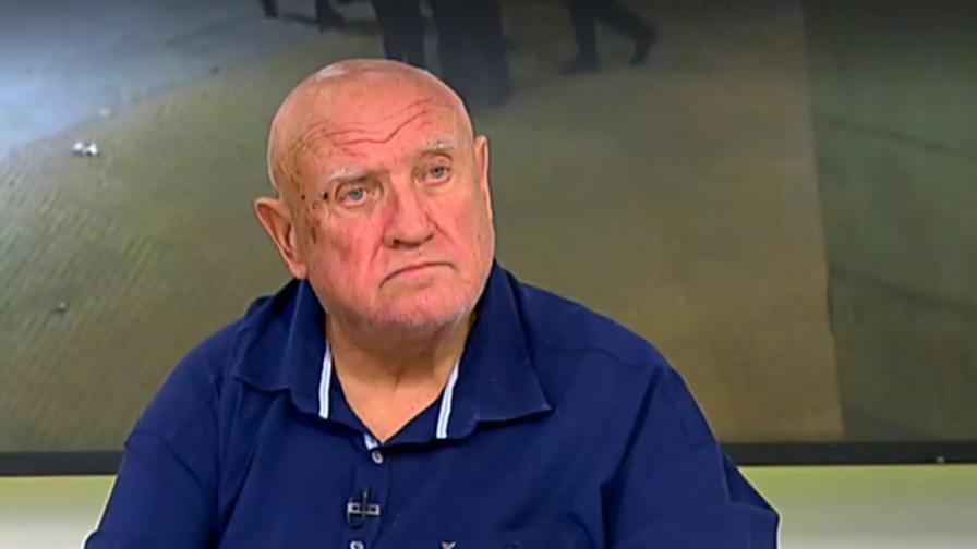 Адвокат Марковски: Полицаите нанасят побой върху младежи