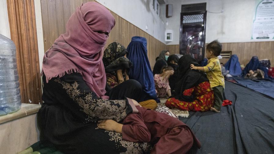 <p>Бичувания, екзекуции, принудителни бракове: Какво очаква жените при талибаните</p>