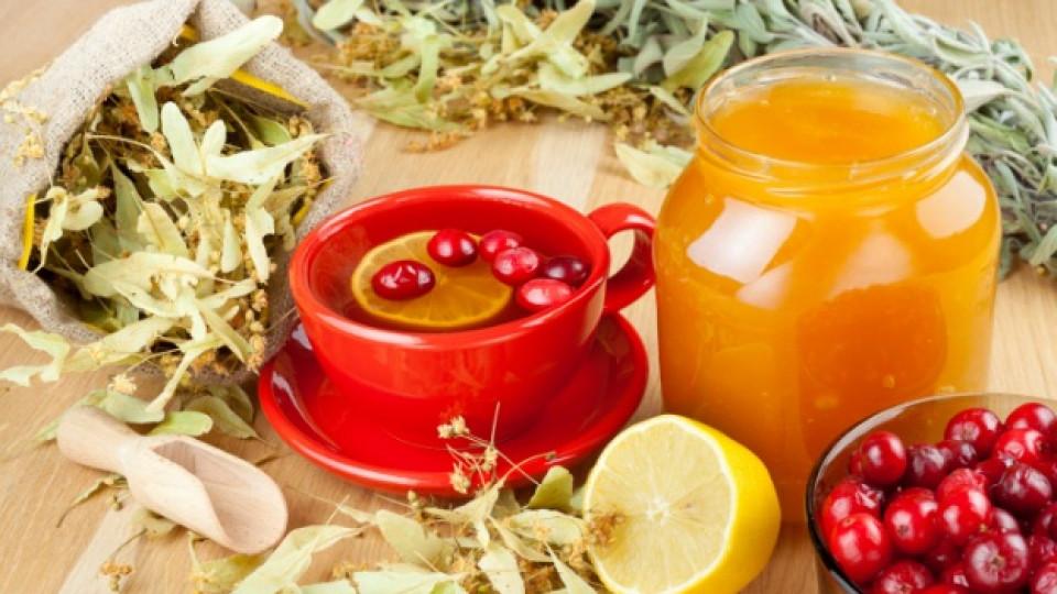 Детоксикираща напитка с червена боровинка