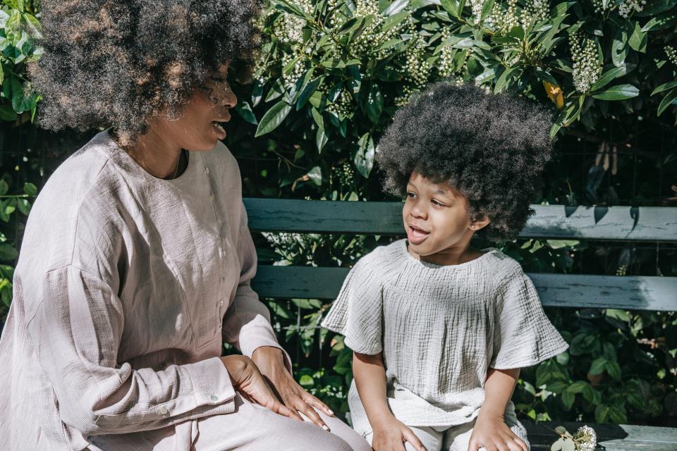 коса майка дъщеря семейство прическа