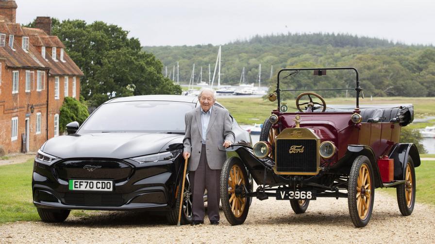 <p>От Model T до Mustang Mach-E за 101-годишен фен на Ford</p>
