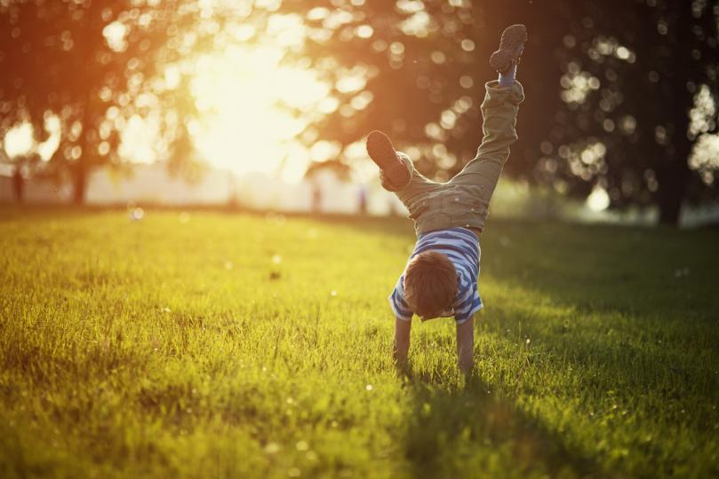 Без скука: как да научим детето да се забавлява само