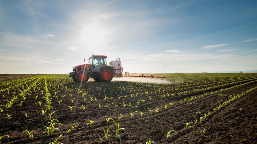 Земеделци блокираха пътя Пловдив - Карлово