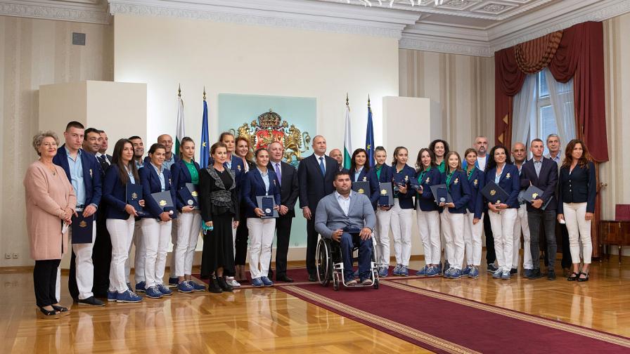 Румен Радев удостои с Почетния знак на президента българските атлети, постигнали медали на летните Олимпийски и Параолимпийски игри в Токио
