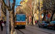 Дете пострада при катастрофа между трамвай и две коли в София