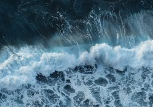 Опасност от големи вълни в езерото Мичиган