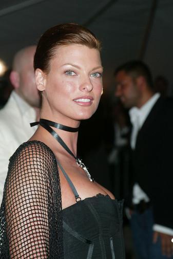 Линда Еванджелиста през 2003 година