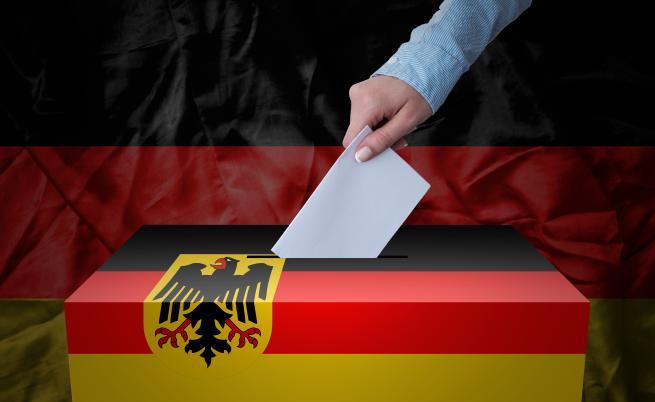 Социалдемократите печелят изборите в Германия, изпреварвайки консерваторите на Меркел