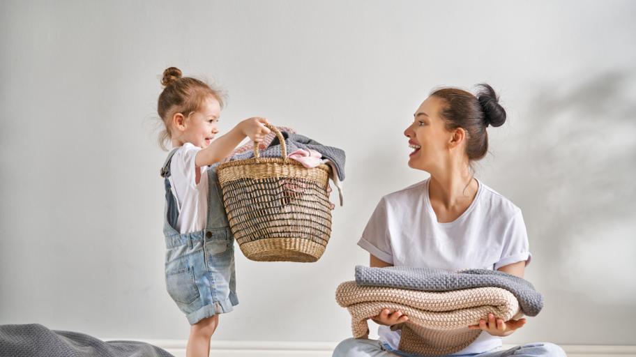 Как да се грижим за дрехите на бебето?