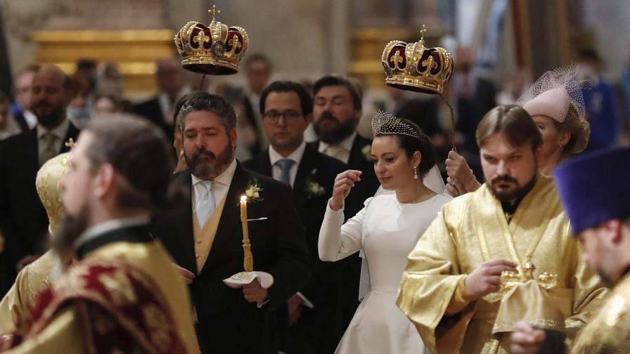 """Великият княз Георгий Михайлович Романов се венча за италианската си годеница Ребека Бетарини в катедралата """"Свети Исаак"""""""