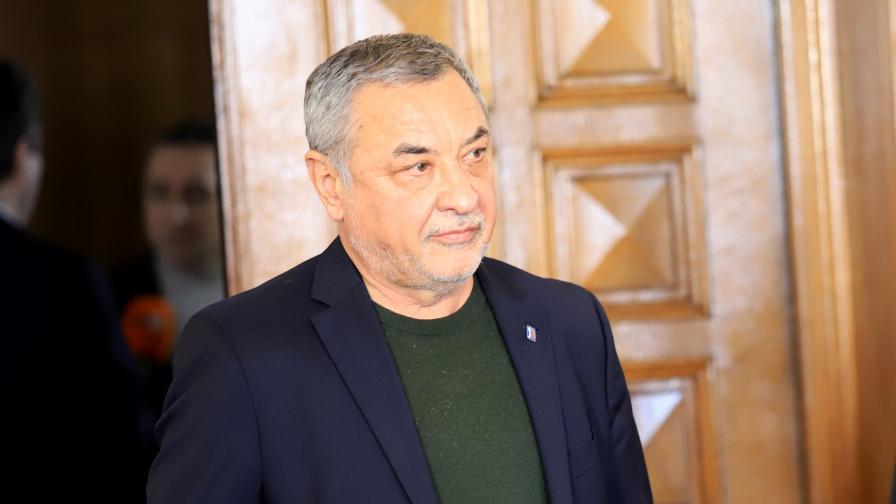 Валери Симеонов ще се кандидатира за президент